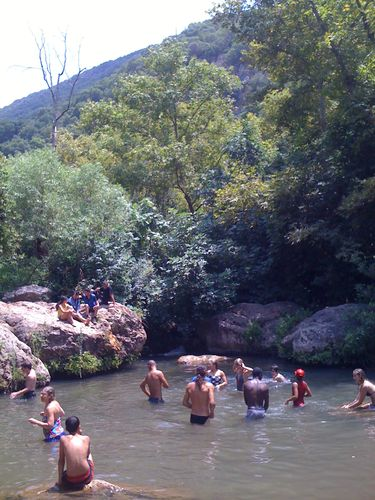 Israel: Hike thru the Kesiv Canyon & a dip in the Kesiv Stream.
