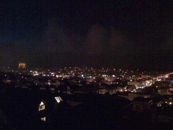 SF, CA: Two city views from one Pacific Heights flat.